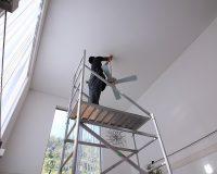 八王子市 戸建て 2階分の吹抜け MinkaAire製シーリングファンライト 取付工事