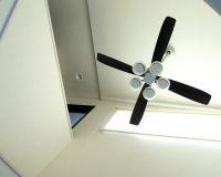 シーリングファンの効果 梅雨の時期に部屋干しの洗濯物が生乾きの匂いなく早く乾く!