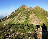 笠ヶ岳登頂、一歩一歩